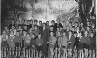 1957 Dechenhöhle mit Lehrer Dietrich
