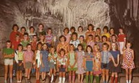 1973/1974 Dechenhoehle mit Lehrern